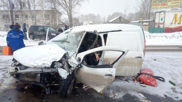 «То ли уснул, то ли плохо стало»: в ДТП под Уфой погиб водитель«Лады-Ларгус»