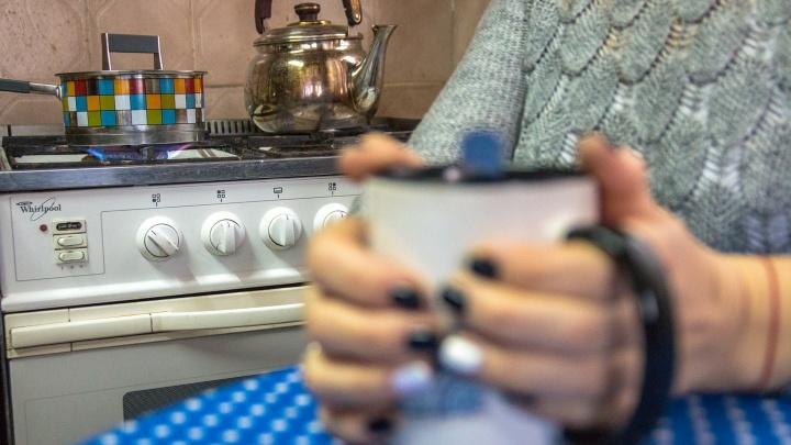 В жилые дома Октябрьского района начали возвращать газ