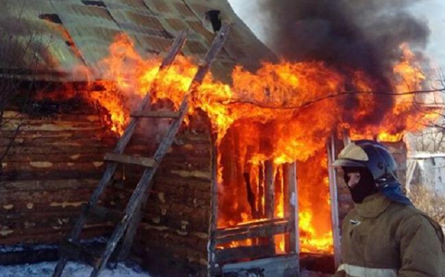 В Башкирии в огне пострадала многодетная семья