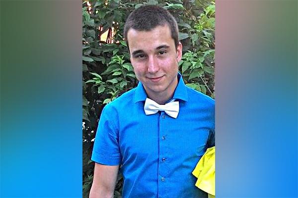 Вышел из клуба и исчез: в Новосибирске ищут 18-летнего студента