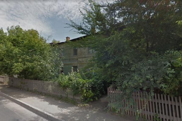 Дом на Мечникова находится в аварийном состоянии