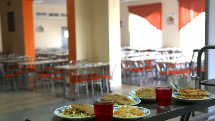 Школьники, собаки или бездомные: сравниваем, чей обед в Уфе стоит дороже