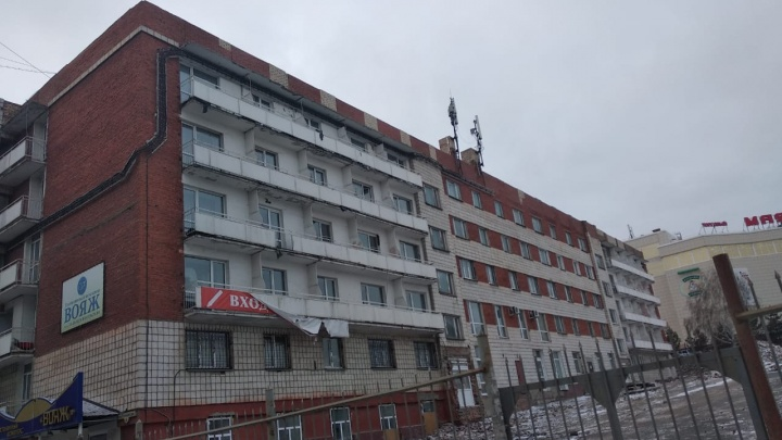 В Омске владельцы гостиницы «Заречная» самовольно надстроили этаж к зданию