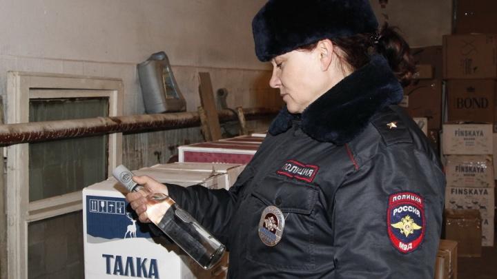Курганца, торговавшего палёной водкой, будут судить за хранение 36 тысяч бутылок