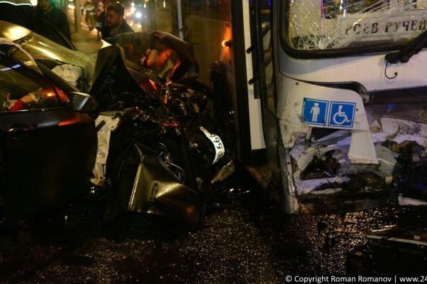 Водитель BMW погиб на месте