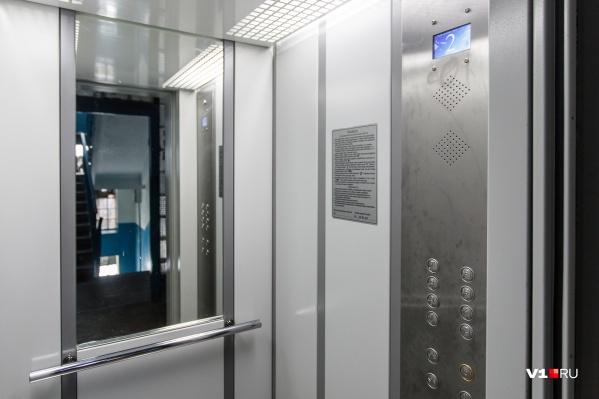 Проблемы с лифтом уже давно набили оскомину жителям дома в Дзержинском районе