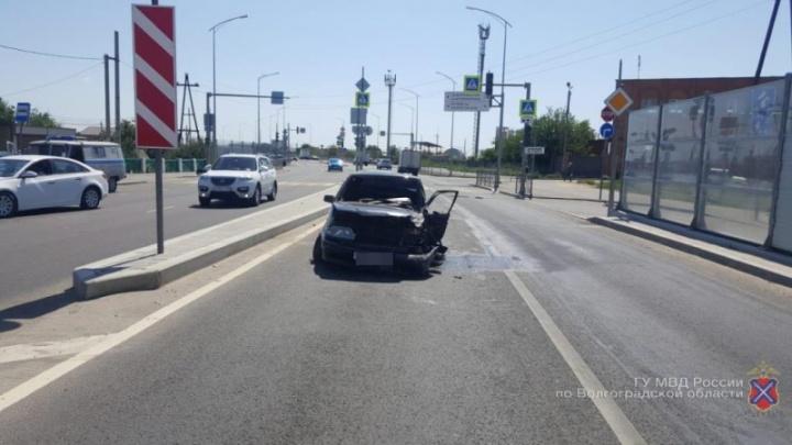 На западе Волгограда шесть автомобилей попали в аварии
