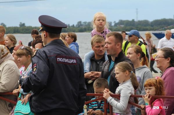 Андрей Ореховский дает такую статистику: в 2019 году в нашем регионе уже пресечено более 6 тысяч административных правонарушений в сфере семейно-бытовых отношений