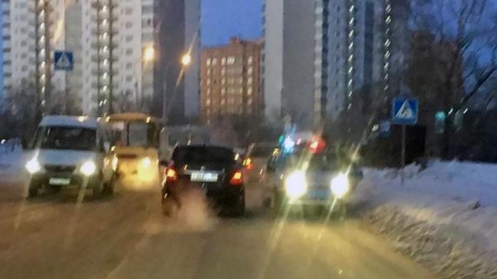 В Академгородке пешеход попал под машину на «зебре»