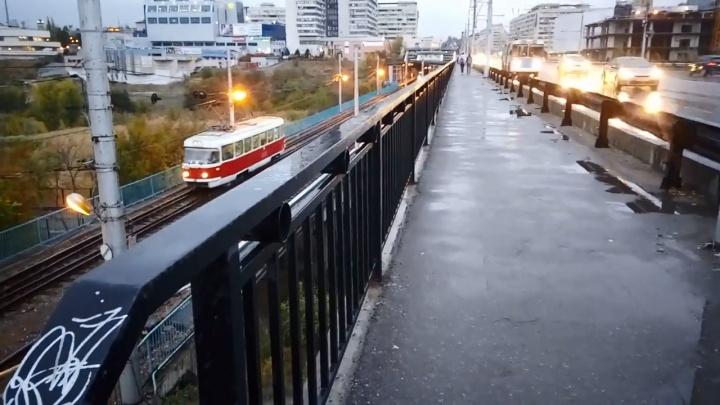 «Увидели ужас»: волгоградские активисты расшатали прогнивший Астраханский мост