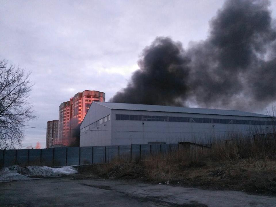 Пожар ивзрыв вНовосибирске сняли навидео