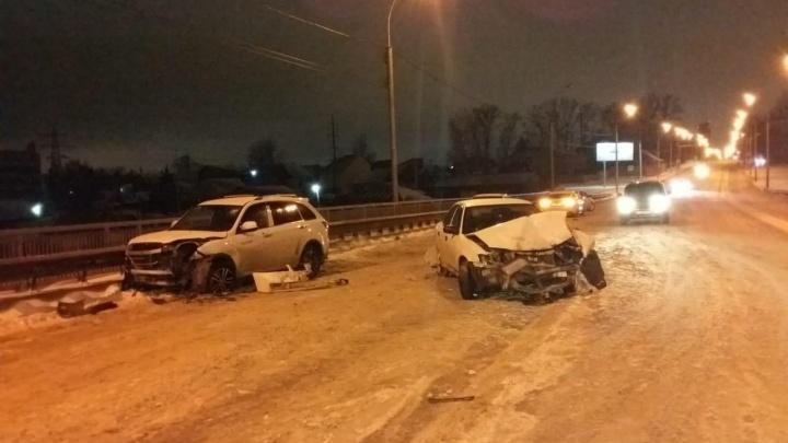 Nissan и Lifan сошлись в ДТП на Кирова: пострадали оба водителя