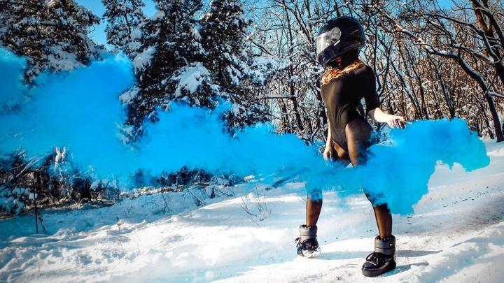 «Мечтать... летать... и думать о прекрасном...»: волгоградцы радуются приходу настоящей зимы