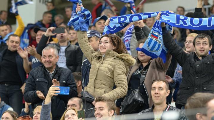 Эмоции еще не остыли: смотрим фотографии с победного матча «Ротора» на домашнем стадионе