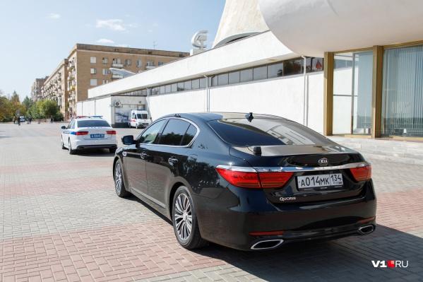 На техобслуживание автомобилей губернатора планируется потратить более полумиллиона рублей