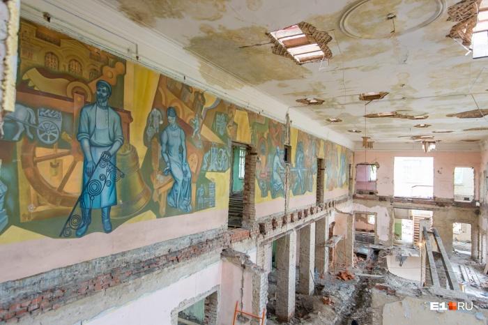 Так выглядела школа на Циолковского во время ремонта, который закончили в этом году