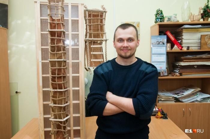 Один из изобретателей —тот самый студент Лестеха, который придумал подушки безопасности для пешеходов