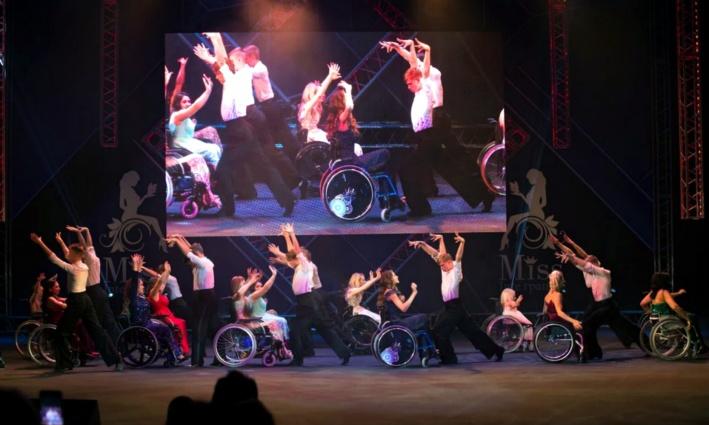 Танцы на колясках? Почему нет? Этих девушек ничто не остановит!
