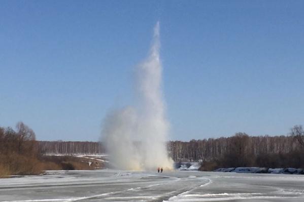 Спасатели уже выбрали места, где будут проводиться взрывы льда