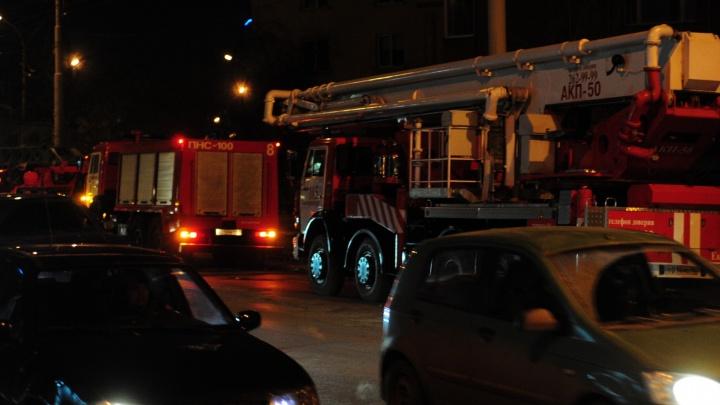 На Компрессорном за ночь сгорели три автомобиля