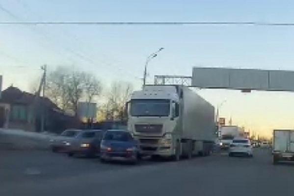 ДТП произошло в Ворошиловском районе Волгограда