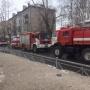 «К квартире имелся свободный доступ»: в Архангельске загорелся жилой дом, трое человек эвакуированы