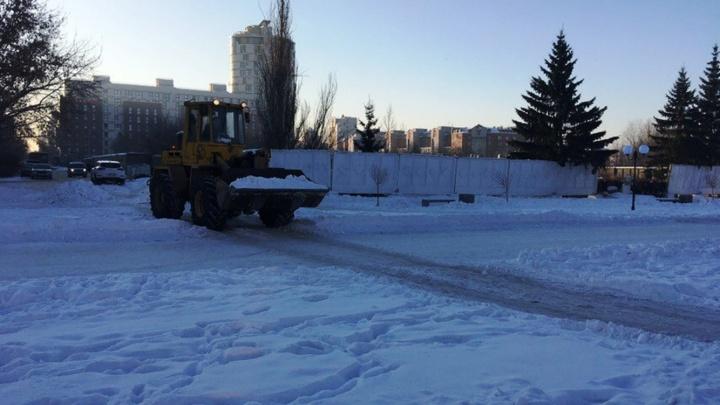 На бульваре Мартынова водитель трактора сломал настил, пытаясь защитить его от автомобилей