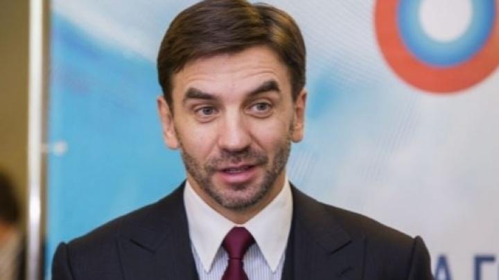 Сын Михаила Абызова уехал из страны, опасаясь органов опеки