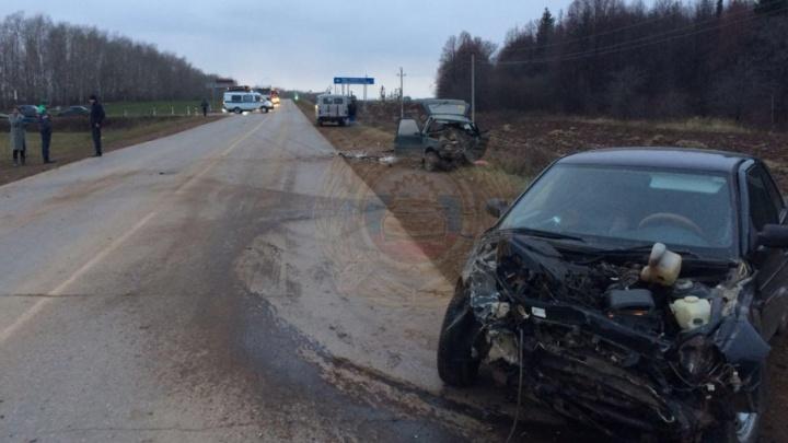На башкирской трассе в лобовом столкновении погиб водитель «Оки»