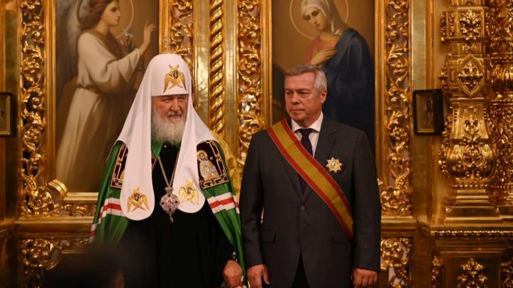 За возрождение духовности: патриарх Кирилл вручил Василию Голубеву орден