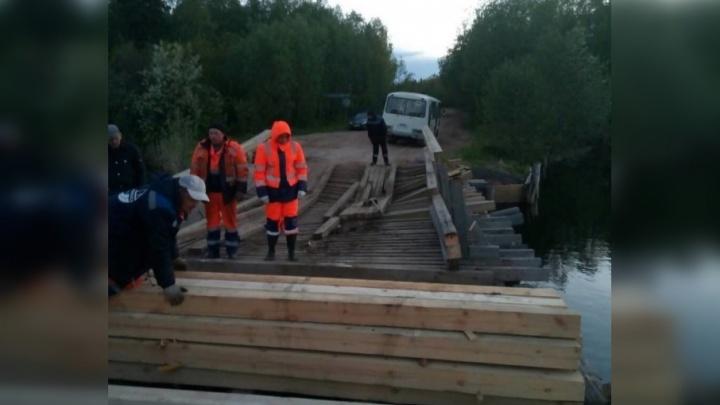 «Точных сроков нет»: на ремонт разрушенного на 29-м Лесозаводе моста уйдет не менее двух суток