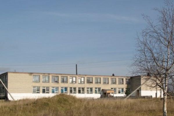 Школа в поселке Промысла рассчитана на 160 детей, но учатся там всего 24 человека