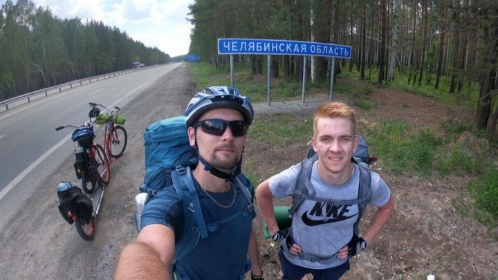 Новосибирец отправился на самокате из Екатеринбурга в Дубай, чтобы попасть в Книгу рекордов Гиннесса