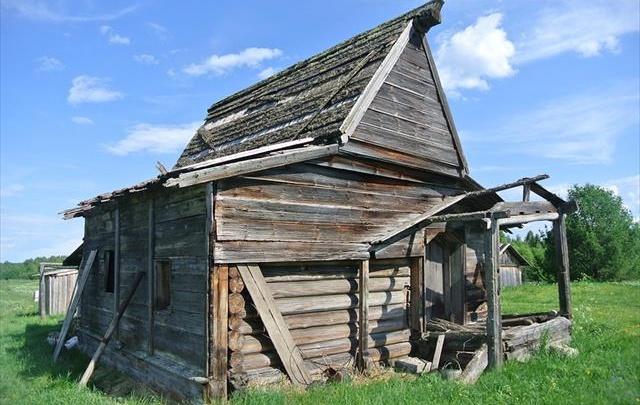 Под Шенкурском восстановили один из самых древних памятников деревянного зодчества в районе