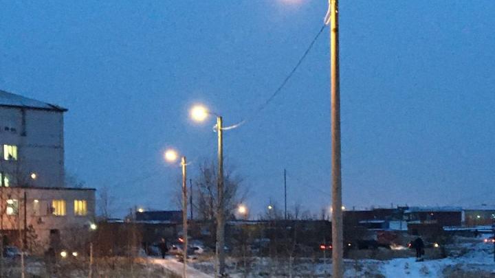 Тёмную дорогу в поликлинику Солнечного осветили фонарями