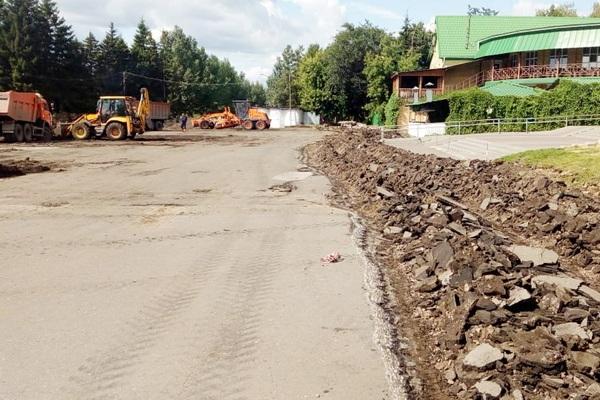 В Омске начали ремонт Советского парка