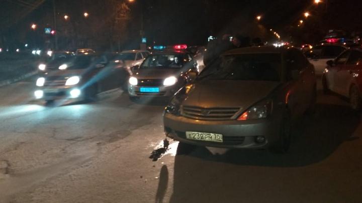 Иномарка насмерть сбила пешехода на Ватутина