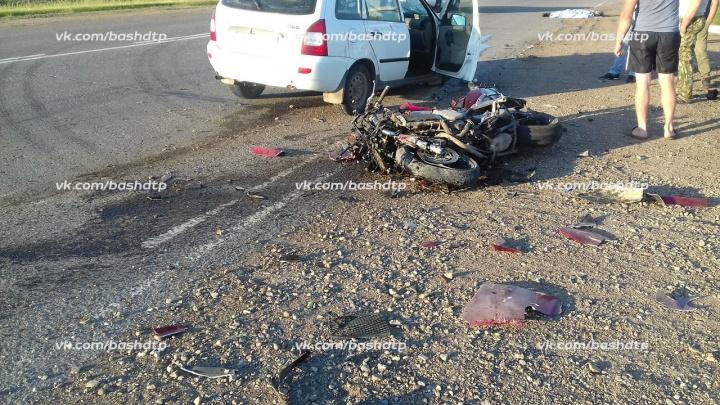 Смертельная авария на трассе в Башкирии: легковушка сбила байкера
