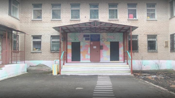 «Почти час ходил по улицам»: заведующую детсадом в Челябинской области наказали за побег воспитанника