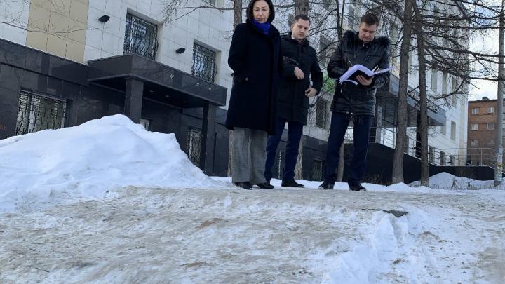 Неблагоприятная среда. Мэр Челябинска начала без предупреждения проверять, как улицы чистят от снега