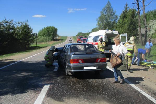 Пострадавших на скорой увезли в больницу