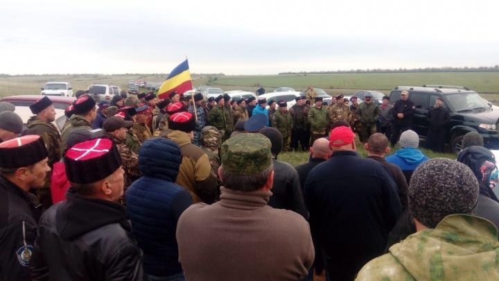 «С него сорвали крест»: в Калачевском районе вновь сцепились чеченцы и казаки