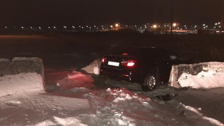 Тюменец, попавший в ДТП из-за бетонных блоков, отсудил у дорожников более 400 тысяч рублей