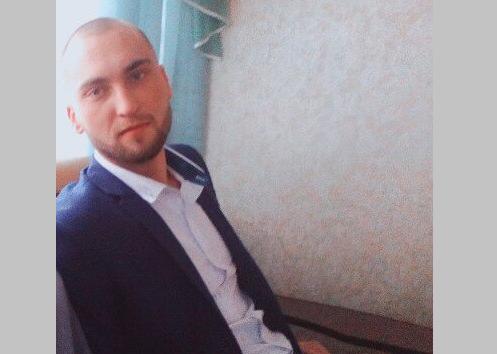 Молодой новосибирец в классическом костюме вышел из дома и пропал без вести