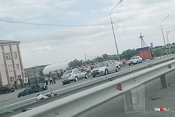 Авария произошла в понедельник, 5 августа, в 14:25 на46-мкилометре трассы Челябинск — Троицк