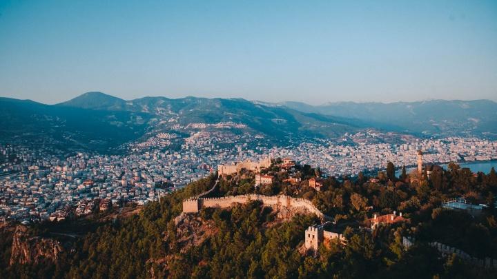 Тюменские приставы заставили турка погасить 12-миллионный штраф