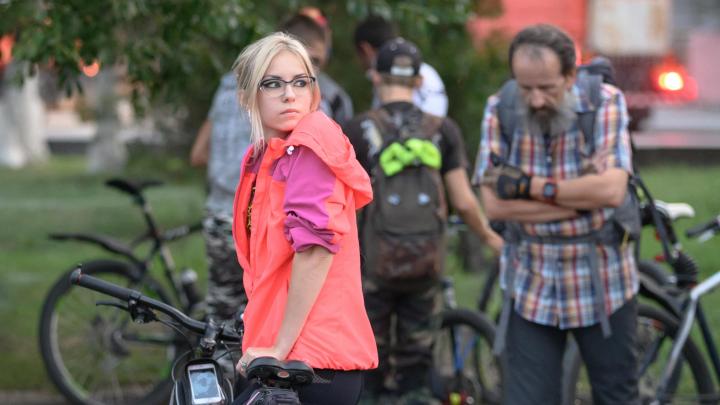 Волгоградские красотки прокатились на велосипедах