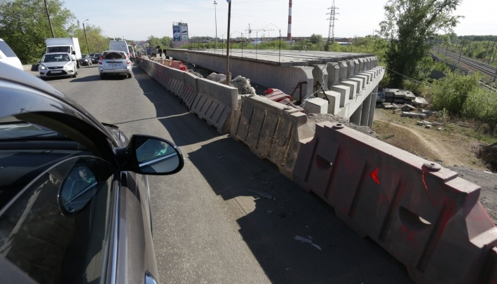 Мост на Троицком тракте в Челябинске решили закрыть для транспорта на все новогодние праздники