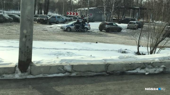 Водители заметили усиленный контроль на дорогах: приезжих полицейских вывели на улицы Красноярска