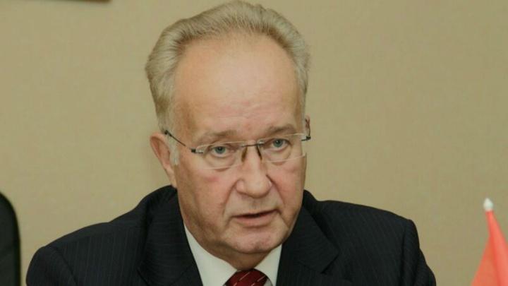 Омскому депутату дали Ленинскую премию: вместе с ним еёполучили Рауль Кастро и свинокомбинат